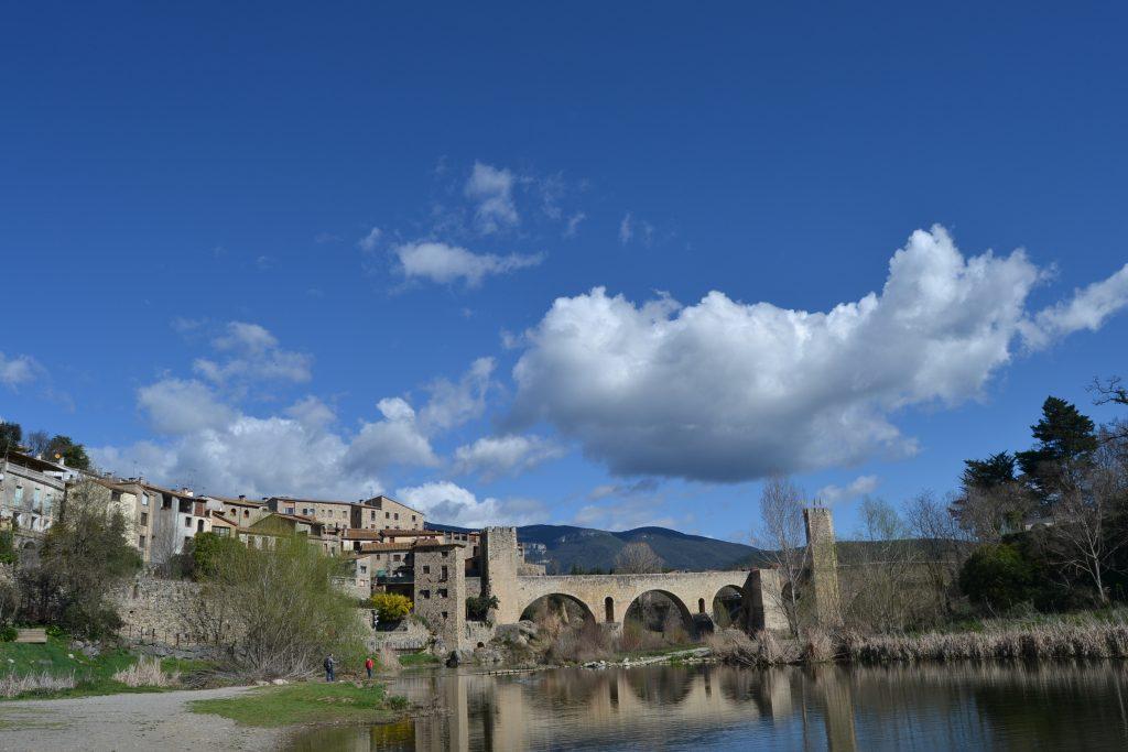 puente románico de besalu