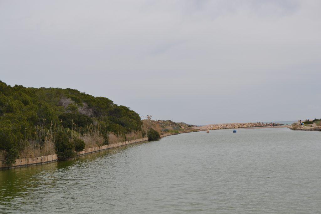 la gola hacia el mar