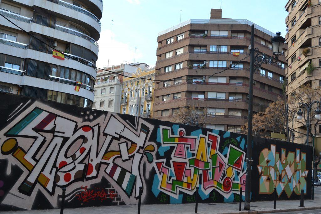 Graffitis en calles de valencia