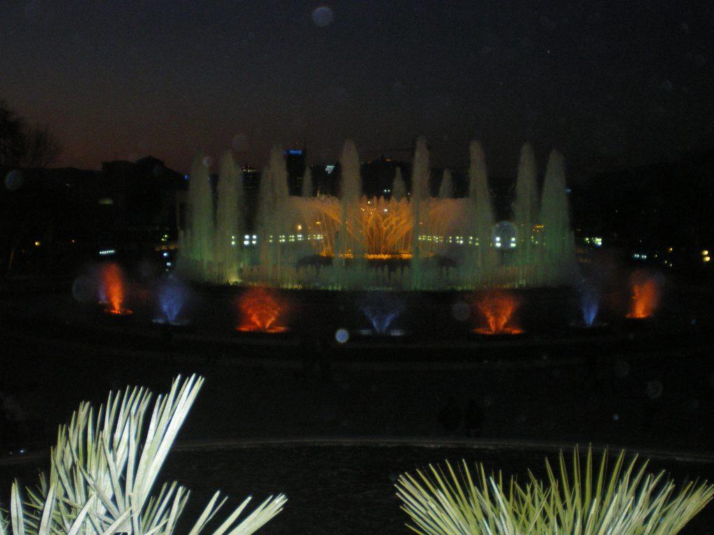 Espectaculo nocturno en las fuentes de Montjuic
