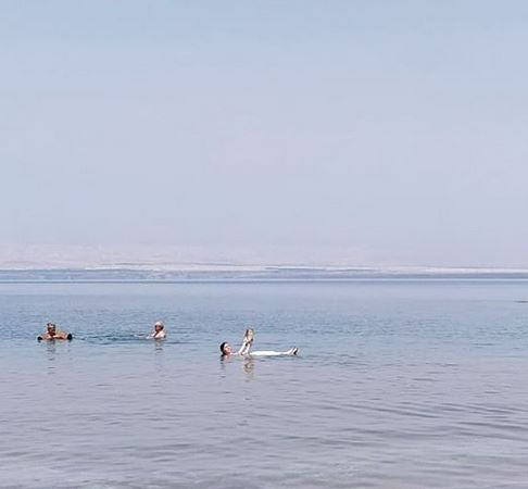 En el Mar Muerto (Jordania)